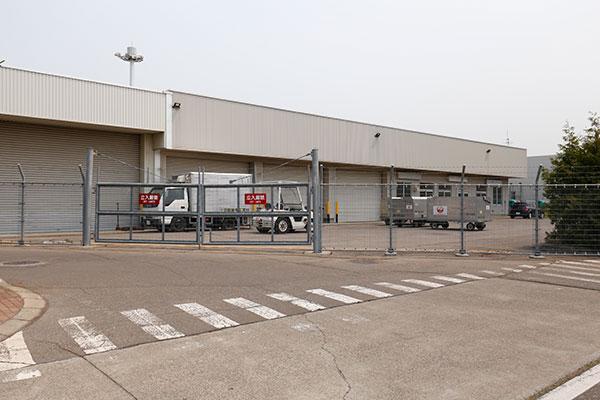 貨物ターミナルビル